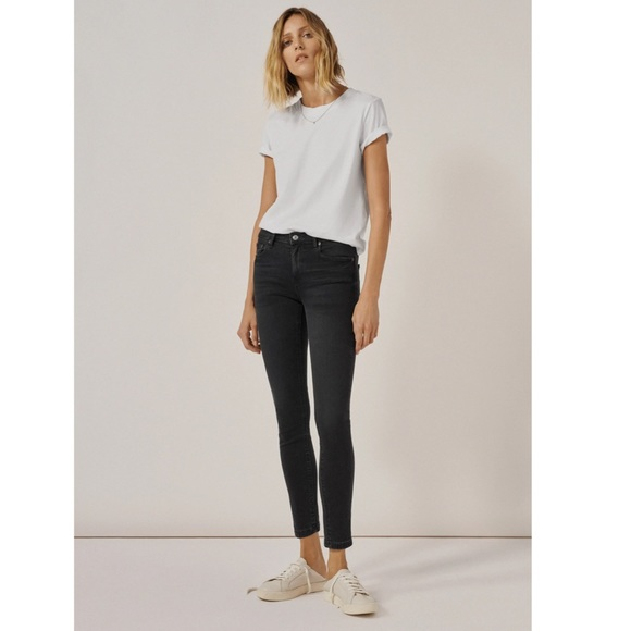 Zara Woman Premium Denim Black Skinny Jeans